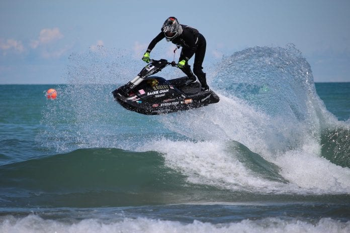 What to Wear to Go Jet-skiing